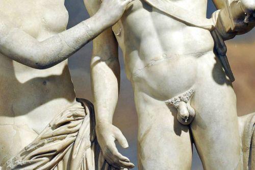 Пенис у античных статуй