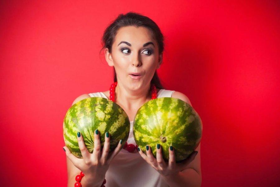 Как правильно ласкать женскую грудь